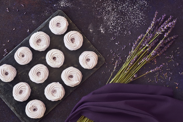 Flat leigos com marshmallows caseiros feitos com lavanda