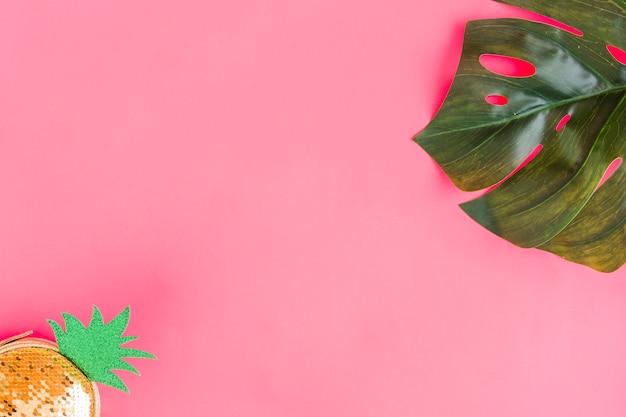 Flat leigos de folha e bolsa elegante