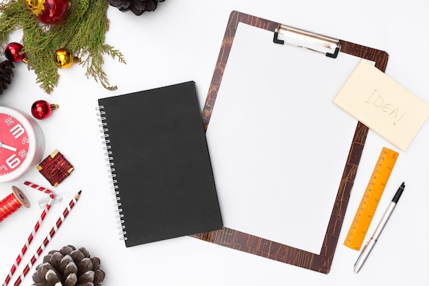 Flat leigos natal prancheta maquete. lista de afazeres. idéias de natal, notas, objetivos