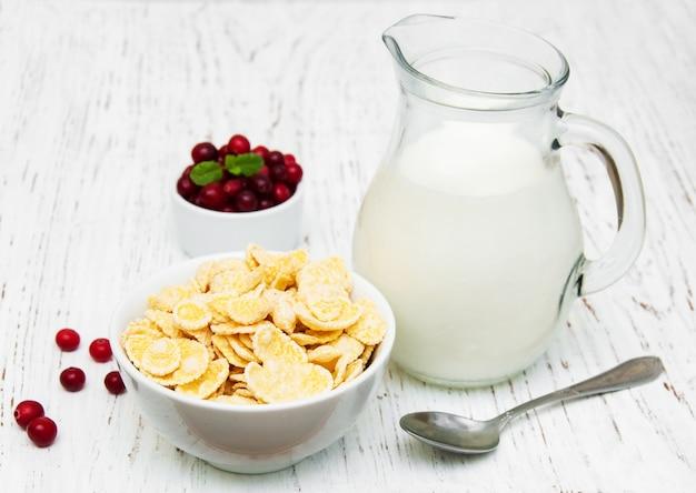 Flocos de milho com leite