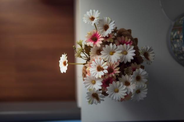 Flor bonita do tom macio no frasco