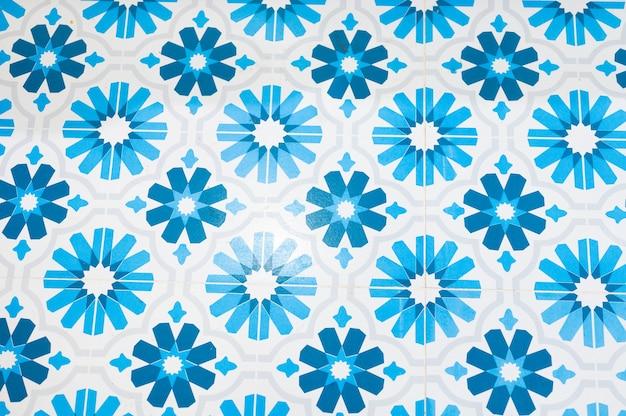 Flor de bálsamo azul com fundo do teste padrão de pontos. foto de alta qualidade