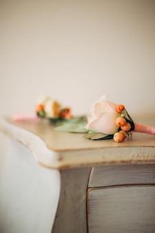 Flor de flor de casamento do noivo