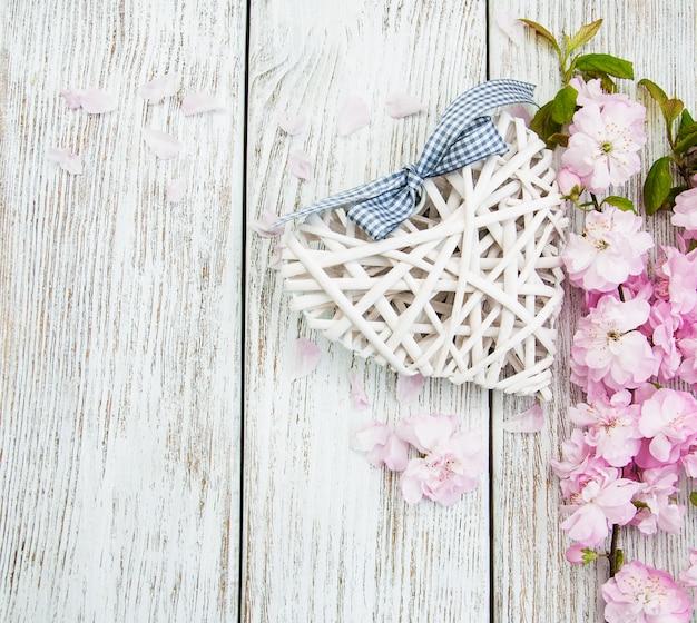 Flor de sakura com coração
