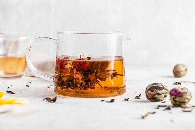 Flor solta de chá