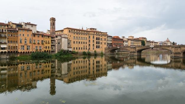 Florença, vista para o rio arno