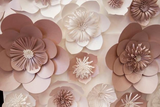 Flores de papel artificiais feitas à mão, decoração bonita
