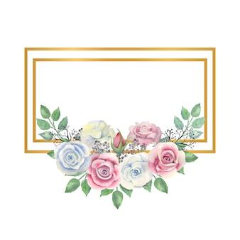 Flores de rosas azuis e rosa, folhas verdes, bagas em uma moldura retangular de ouro