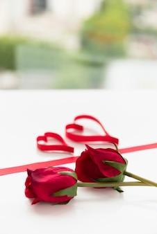 Flores e símbolos do coração