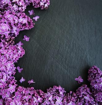 Flores lilás como um quadro