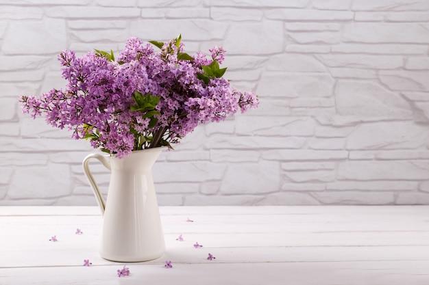 Flores lilás da primavera