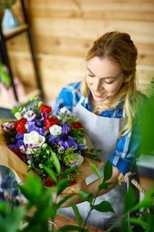 Florista no trabalho