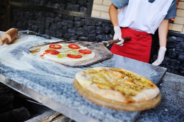 Focaccia ou pão italiano no forno