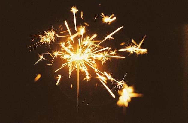 Fogo de artifício festivo de fogo bengali