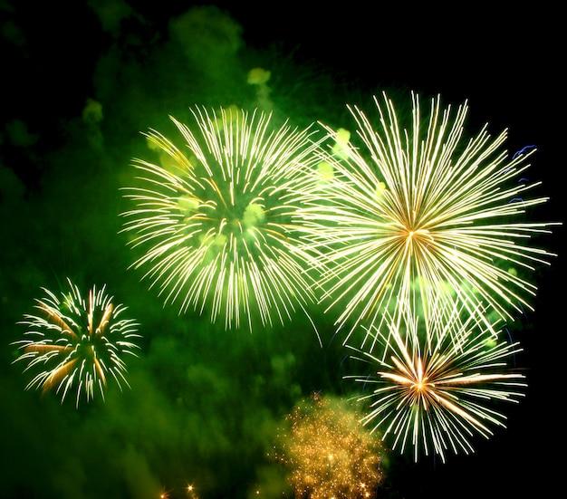 Fogos de artifício verdes