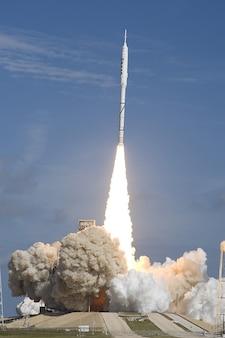 Foguete canaveral lançamento capa ares ix