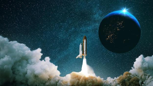 Foguete decola e é lançado ao espaço com o planeta.