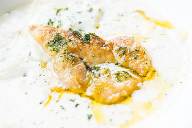 Foie gras com creme sauce