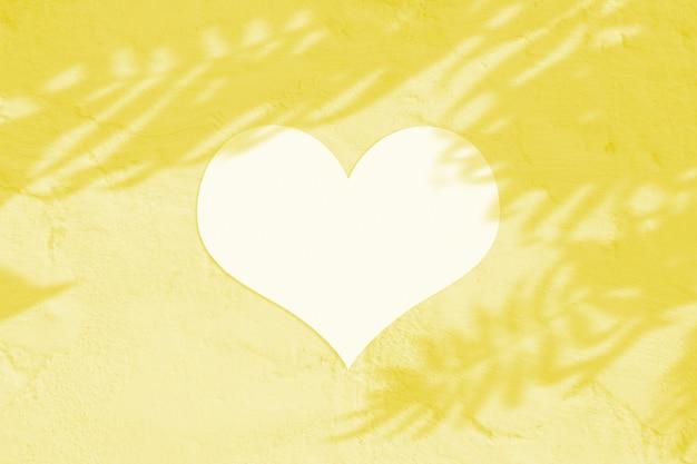 Folha de papel em branco do dia dos namorados com coração branco