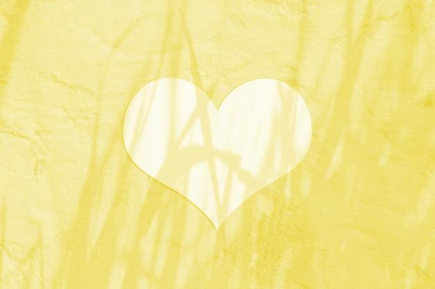 Folha de papel em branco do dia dos namorados com coração branco Foto Premium
