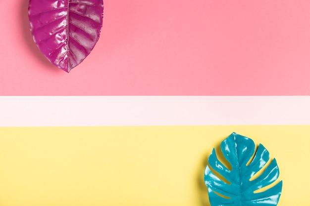 Folhas da vista superior feitas em estilo de papel