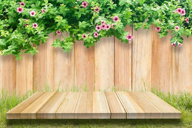 Folhas de madeira e ivy com espaço.