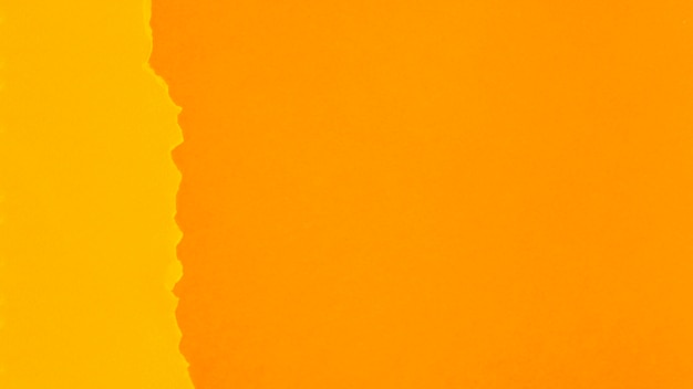Folhas de papel tonificado laranja com espaço de cópia