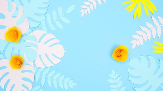 Folhas e flores de papel decorativo