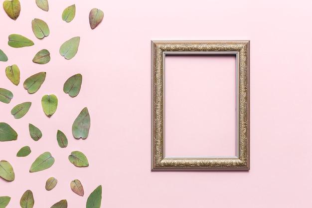 Folhas e quadro