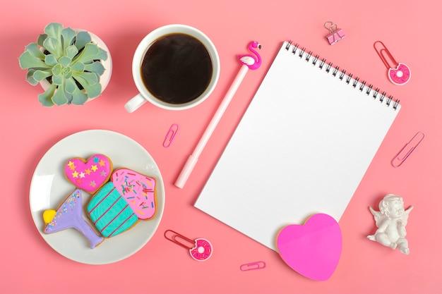 Folhas para nota, clipes de papel, caneta - flamingo, sukulent, adesivos coração, pão de gengibre, anjo