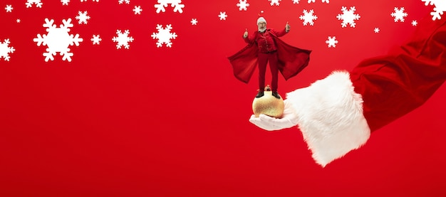 Folheto de saudação para anúncio. conceito de natal, ano novo, clima de inverno, feriados. copyspace, cartão postal.