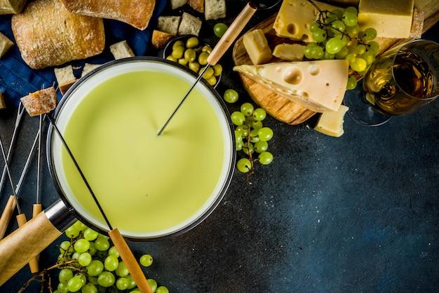 Fondue de queijo suíço clássico