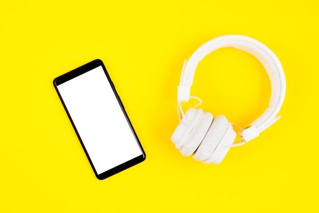 Fones de ouvido e smartphone