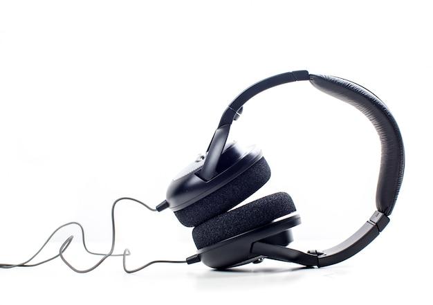 Fones de ouvido. isolado no branco