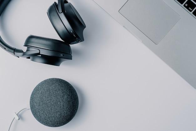 Fones de ouvido modernas tecnologias