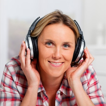Fones de ouvido quadrados