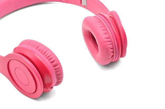 Fones de ouvido rosa para ouvir som e música isolados