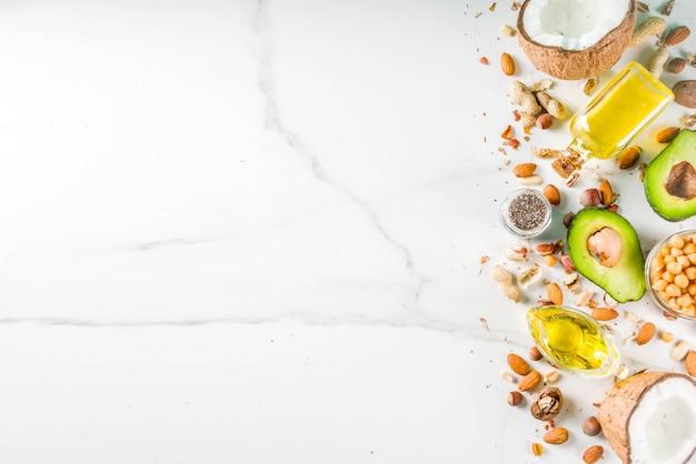Fontes vegan saudáveis de alimentos gordurosos