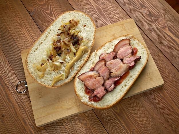 Fools gold loaf - o sanduíche americano de verdade era um pão, e um pote inteiro de geléia de uva e meio quilo de bacon