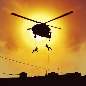 Forças especiais de ataque de helicóptero