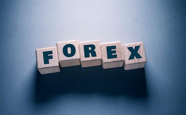 Forex word escrito em cubos de madeira
