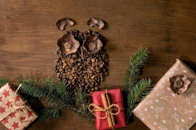 Forma de coruja de grãos de café e especiarias