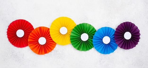 Forma de papel de origami arco-íris