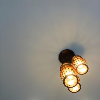 Forma fulgor iluminação do vintage