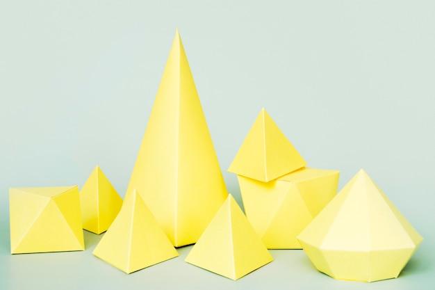 Forma geométrica de papel de alto ângulo