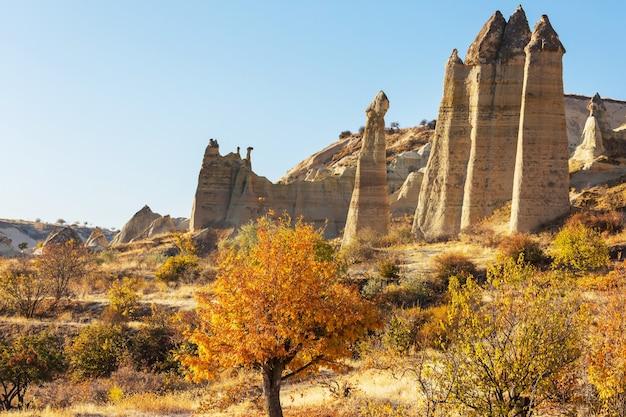 Formação rochosa incomum na famosa capadócia, na turquia