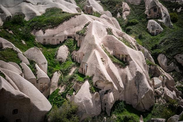 Formações de rocha vulcânica de cappadocia, turquia.