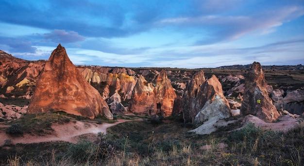 Formações geológicas únicas no vale da capadócia