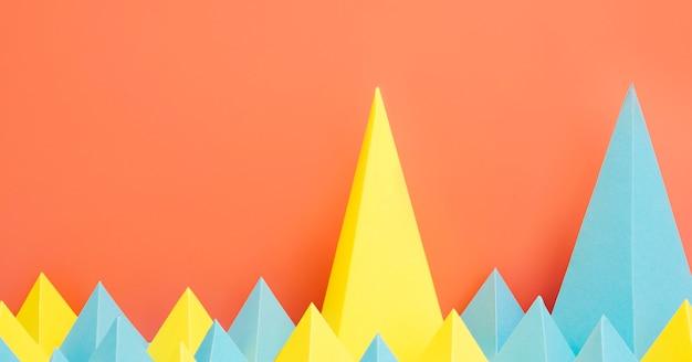 Formas geométricas de papel colorido