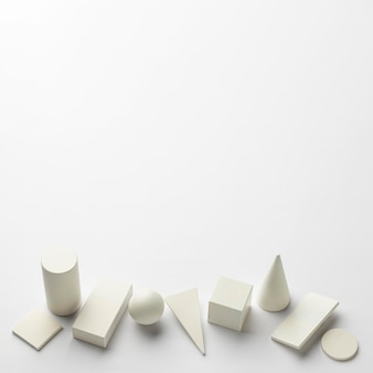 Formas geométricas minimalistas com espaço de cópia